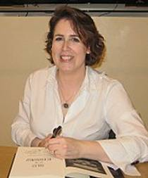 Picture of an author: Kelley Armstrong