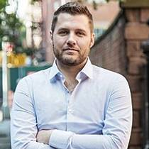 Picture of an author: Mark Manson
