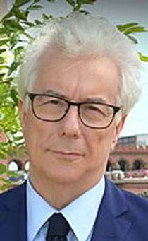 Picture of an author: Ken Follett