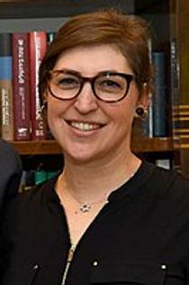 Picture of an author: Mayim Bialik