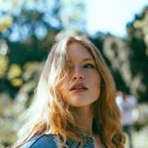 Picture of a band or musician: Freya Ridings