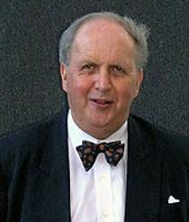 Picture of an author: Alexander Mccall Smith