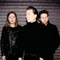 Picture of a band or musician: The Pale White