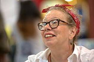 Picture of an author: Lynda Barry
