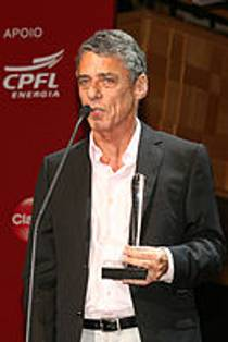 Picture of an author: Chico Buarque