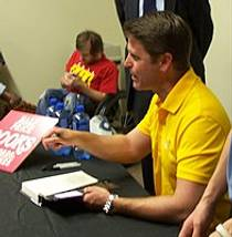 Picture of an author: Brad Thor