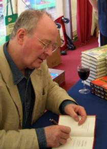 Picture of an author: Philip Pullman