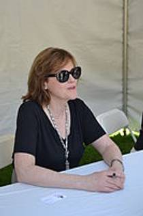 Picture of an author: Maria Semple