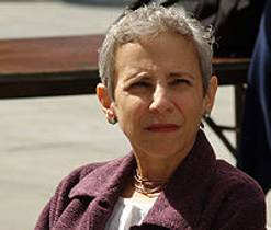 Picture of an author: Gail Carson Levine