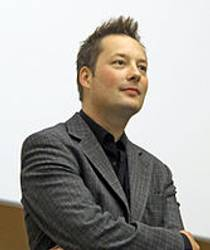 Picture of an author: Tom Hillenbrand