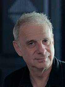 Picture of an author: James Gleick