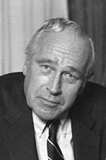 Picture of an author: Robert Ludlum