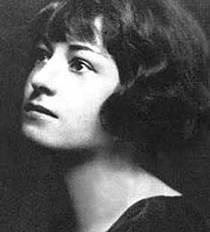 Picture of an author: Dorothy Parker