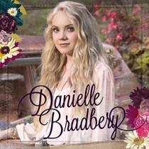 Picture of a band or musician: Danielle Bradbery