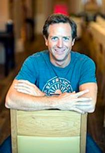 Picture of an author: Hugh Howey
