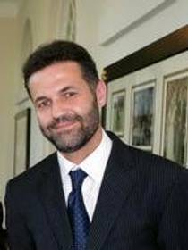 Picture of an author: Khaled Hosseini