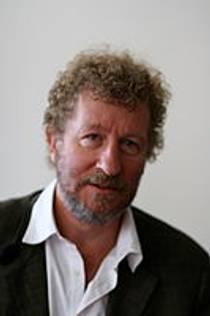Picture of an author: Sebastian Faulks