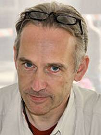 Picture of an author: Jasper Fforde