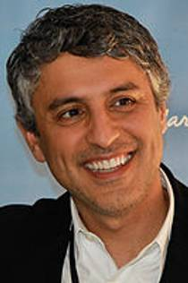 Picture of an author: Reza Aslan