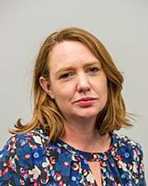 Picture of an author: Paula Hawkins