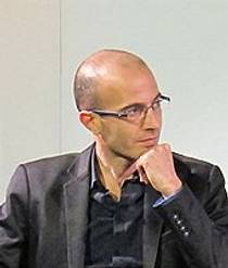 Picture of an author: Yuval Noah Harari