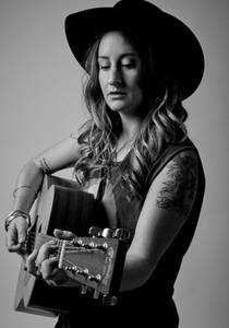 Picture of a band or musician: Margo Price