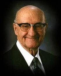 Picture of an author: W. Cleon Skousen