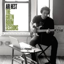 Picture of a band or musician: Ari Hest