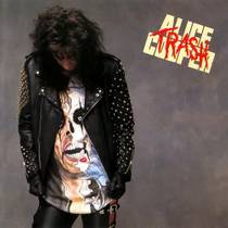 Picture of a band or musician: Alice Cooper