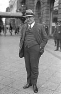 Picture of an author: Edgar Wallace