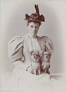 Picture of an author: Edith Wharton
