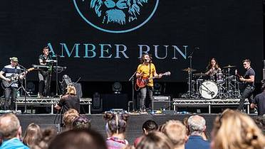 Picture of a band or musician: Amber Run