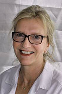 Picture of an author: Elizabeth Strout