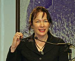 Picture of an author: Alice Sebold