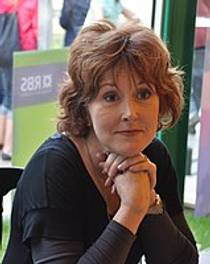 Picture of an author: Moira Young